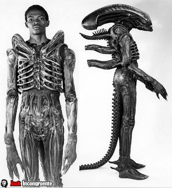 Bolaji Badejo alienígena