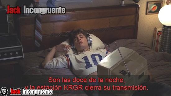 La estacion de radio que sintoniza Glen Lantz es la  KRGR, es decir la palabra Krueger, pero sin la vocales