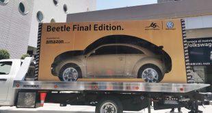 Amazon, vende su primer automóvil y lo entrega como si fuera un carrito de juguete